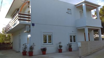 Photo for Two bedroom apartment with air-conditioning Starigrad (Paklenica)