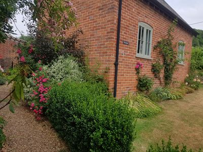 Photo for 1BR Cottage Vacation Rental in Hyde. Fordingbridge Hampshire