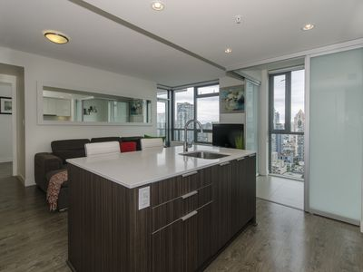 Photo for Cozy condo in the heart of downtown Vancouver
