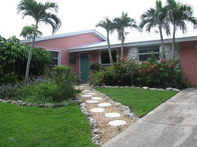 handicap friendly one level home on Beach and Bay in front yard