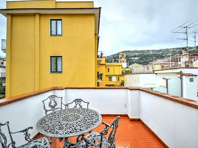 Photo for 2 bedroom Apartment, sleeps 5 in Sorrento with Air Con and WiFi
