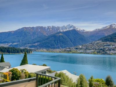Photo for KELVIN HEIGHTS, QUEENSTOWN - lake views, sunny