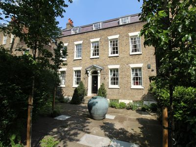 Photo for Huge Historic Townhouse in the Heart of London within 20 Min Walk To Westminster
