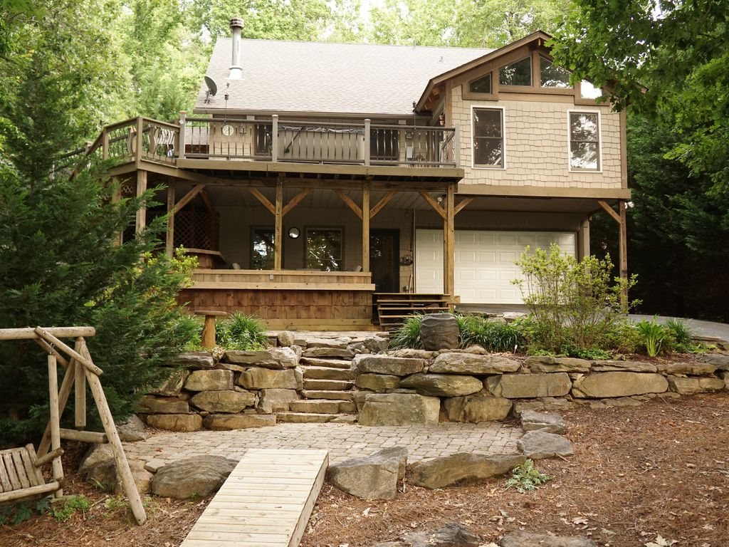 Awesome house on Lake Keowee! Great outdoor... - HomeAway