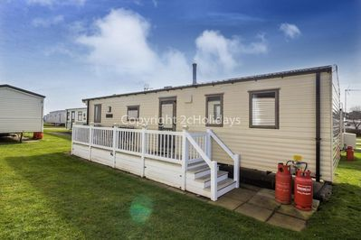 6 berth accommodation at Hopton Holiday Village.