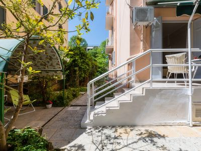 Photo for Secret Garden Apartment in the Heart of the City