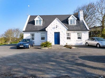 Photo for NO.1 APT, BRANDY HARBOUR COTTAGE in Ballinderreen, County Galway, Ref 951117