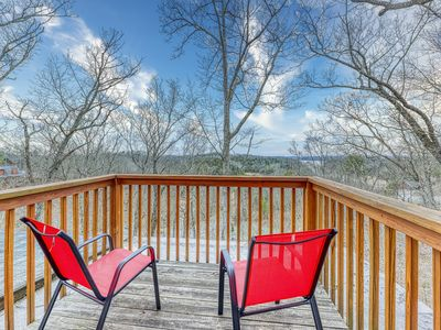 Photo for Classic dog-friendly cabin w/ lake views, hot tub, and shared pool access!