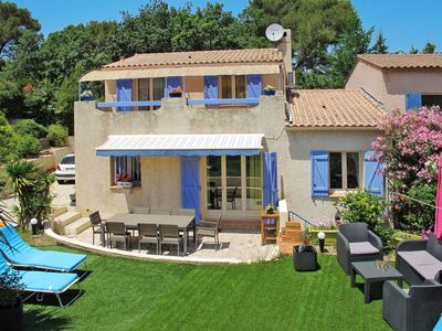 Photo for 3 bedroom Villa, sleeps 8 in Six-Fours-les-Plages with Air Con and WiFi