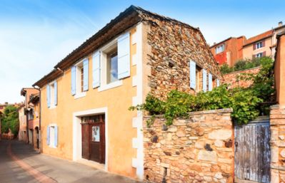 Photo for Beautiful village house in centre of Roussillon, private pool, fabulous views