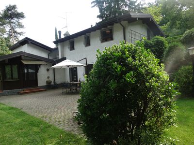 Photo for Cozy villa surrounded by greenery near Como and Milan