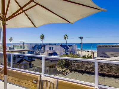 SPACIOUS Family Beach Home! Includes AC, Roof Deck, & BBQ
