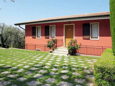 Photo for Apartment Residence Gianni (TDB112) in Torri del Benaco - 7 persons, 3 bedrooms