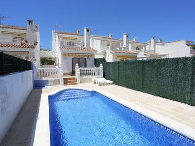 Photo for Nice apartment for 6 people with WIFI, private pool, TV, pets allowed and parking