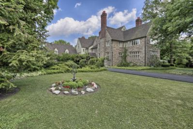 Brasenhill Mansion's Excellence