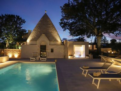 Photo for TRULLO ROVERELLA Cosy trullo with private pool