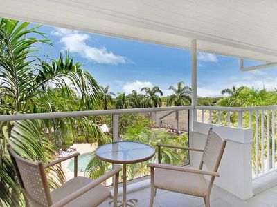 Photo for Palm Cove resort apartment Free Fast WiFi  Foxtel/ Netflix pools beach
