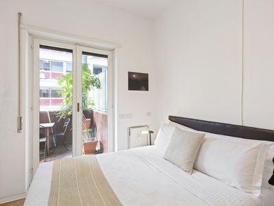 Photo for Lovely Flat w/Balcony and Parking in Trastevere