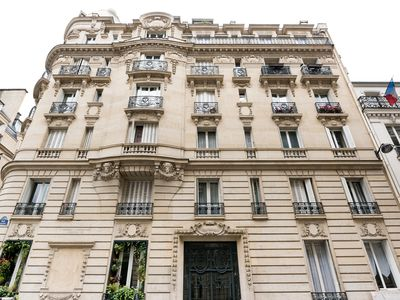 Photo for Classic Elysees Balzac - Studio Apartment, Sleeps 4