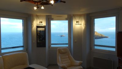Photo for Panoramic sea view 250 ° of the 10 windows !! Classified furnished 4 stars tourism.