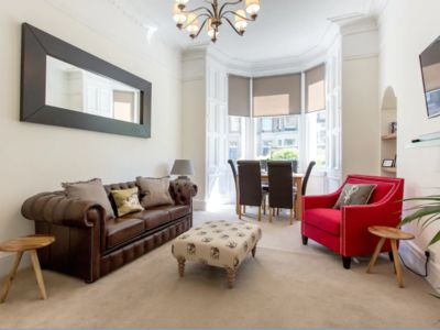 Photo for COLONIAL VICTORIAN APARTMENT, FAB CENTRAL LOCATION