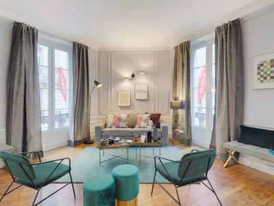 Photo for 5BR Apartment Vacation Rental in Paris