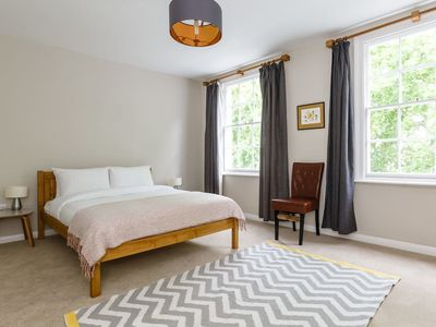 Photo for Bright & Spacious Flat in the Heart of Kings Cross