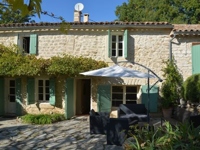 Photo for Bedoin, natural stone house for 8 people with heated pool - 1050/2100 Euro