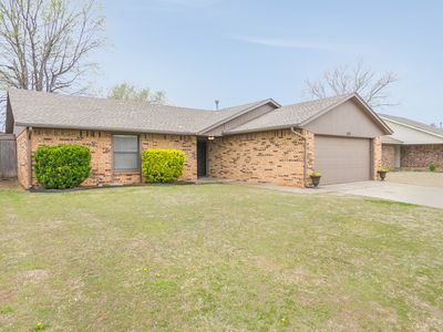 Photo for NEWLY FURNISHED LUXURY RETREAT AT OKC/MOORE/NORMAN BORDER!