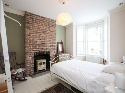 Photo for Stylish  2 Bed House 5min To Station