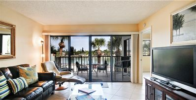 Photo for Land's End 304/1-All updated-beautiful kitchen-large balcony with water view!
