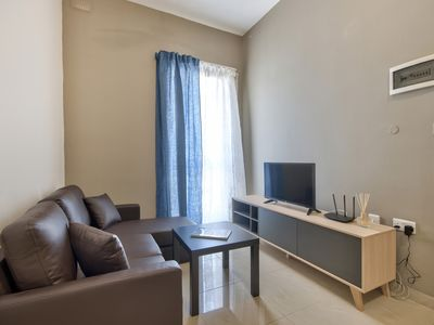 Photo for Bright and cozy Gzira 1-bedroom Apt