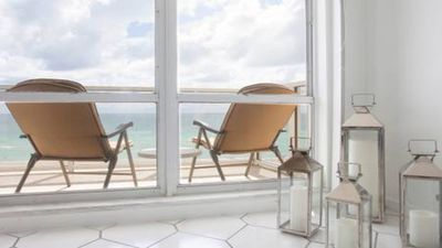 Photo for Apartment w/ 2 rooms on the beach with the best ocean direct view