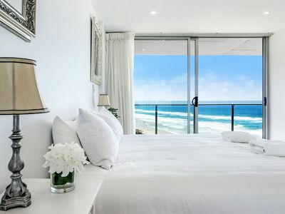 Photo for Absolute Beachfront - Central Surfers Paradise