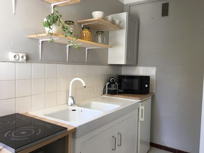 Photo for Nice Spacious and Cozy Studio, Private Parking near Remparts, Ring Road, Center Station
