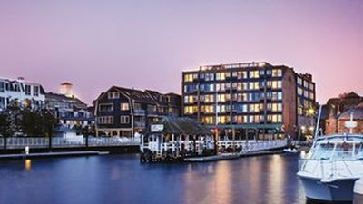 Photo for Newport - Wyndham Inn on the Harbor, 1 Bdrm w/ Queen Sleeper - sleeps 4