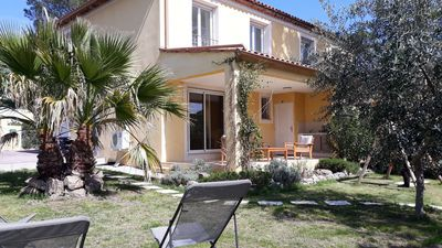 Photo for Detached house with garden in secure residence 2 minutes from golf