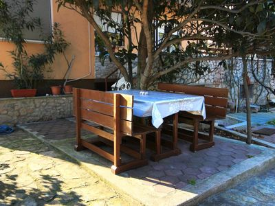 Photo for One bedroom apartment with balcony and sea view Bilo, Primošten (A-9467-a)