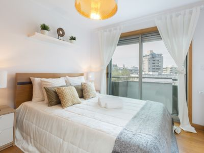 Photo for Spacious Bright Flat w / Balcony by Host Wise