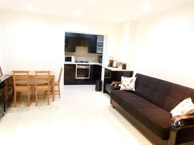 Photo for Luxury and Affordable Apartment Central London/Zone 1. Suitable for 8 Guests.
