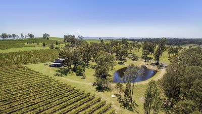 Photo for Fernweh Cottage, Hunter Valley - Glorious vineyard and Mountain Views