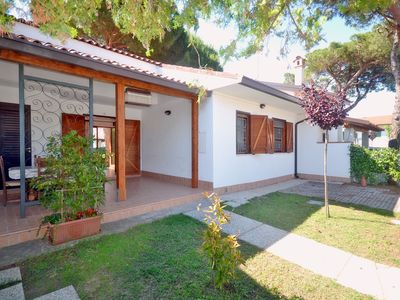 Photo for Beautiful villa on the ground floor with 3 bedrooms, 2 gardens and 1 parking space