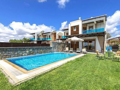 Photo for Villas Horizon Line, Kiotari  in Rhodos - 6 persons, 3 bedrooms