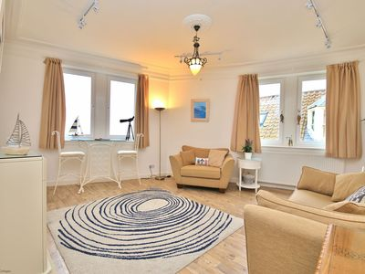 Photo for A lovely 2 bedroomed apartment with fabulous sea views