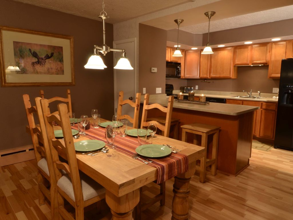 Blue Ribbon Bakery Kitchen 5 Star Reviews Million Dollar Views Rent Vrbo