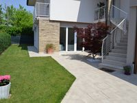 Villa: light, spacious, comfortable and very clean! Great hospitality!