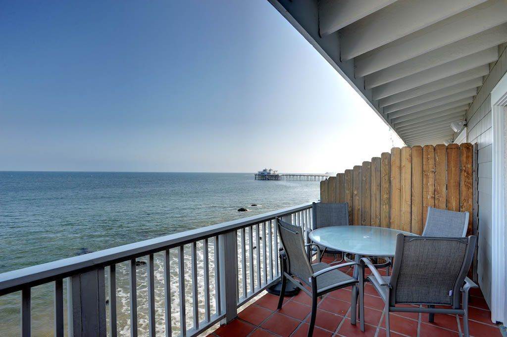 Ultimate Coastline And Oceans Views From Deck