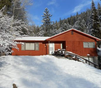 Photo for Beautiful mountain views! Perfect home base for exploring the area!