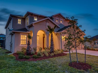 Photo for Luxurious 6 bed 4 bath home with heated Saltwater Pool & Spa and Games Room!
