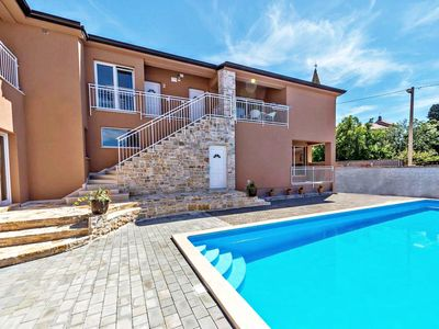Photo for NOA2 Poreč-Tar apartment with pool, balcony, games room, Wi-Fi, barbeque